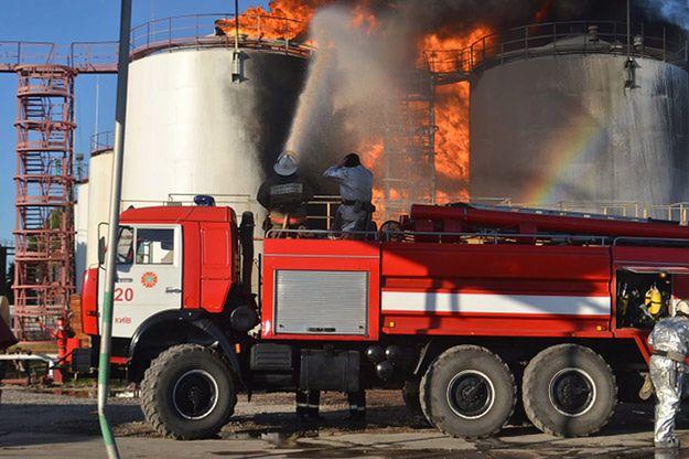 Odnowił się pożar w bazie paliw pod Kijowem
