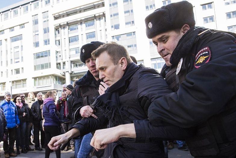 """Aleksiej Nawalny w szpitalu. Warunki """"jak w obozie koncentracyjnym"""""""