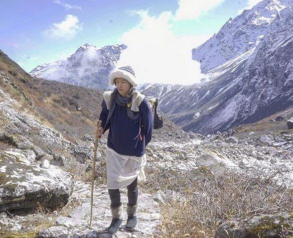 Ruszyła w Himalaje bez współczesnego wyposażenia i odpowiednich narzędzi. Kontrowersyjny pomysł podróżniczki