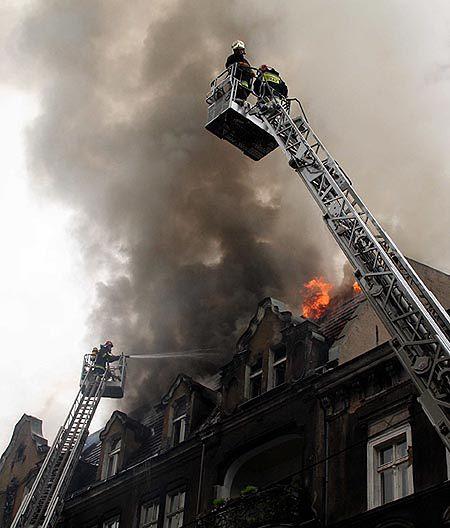 Zaprószenie Ognia Przyczyną Pożaru Kamienicy W Poznaniu Wp Wiadomości