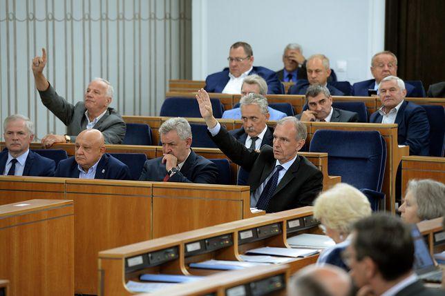 Posiedzenie Senatu. Dzisiaj nie będzie decyzji ws. propozycji referendum Andrzeja Dudy