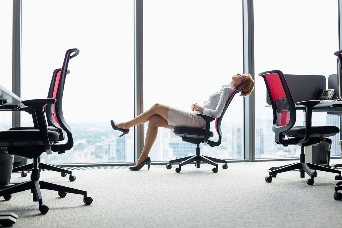 Wygodne i miękkie fotele biurowe. Sprawdź, jakie wybrać