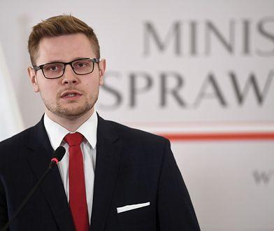 Minister Michał Woś: Nie wypieram się związku ze Zbigniewem Ziobrą