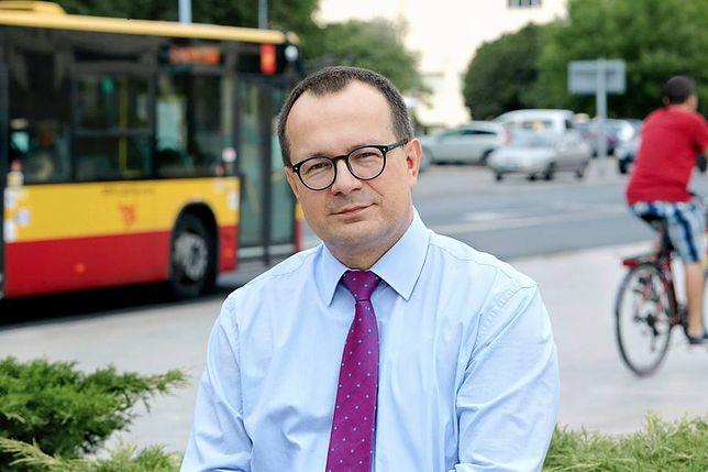 Ulotki wyborcze na torebkach na psie odchody. Oryginalny pomysł kandydata z Łodzi.
