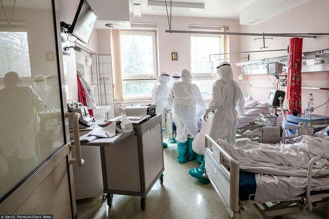 Sytuacja w szpitalach. Najnowszy raport MZ o koronawirusie