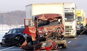 Uwaga kierowcy - ślisko i niebezpiecznie na drogach