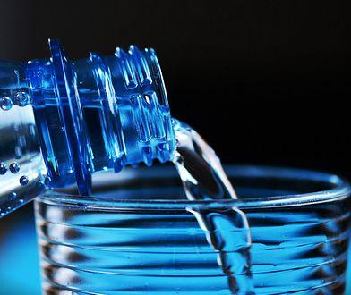 Ceny wody mineralnej idą w górę. Najbardziej w dyskontach - nawet o 20 proc.