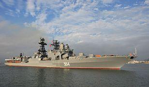 Rosyjski niszczyciel wpływa do portu Zhanjiang na wspólne ćwiczenia z Chińczykami