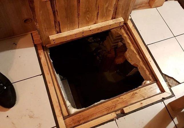 Śląskie. 44-letni mężczyzna z Częstochowy, który unikał więzienia przez dwa lata, ukrywał się w domu pod podłogą.
