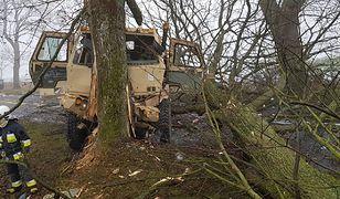Ranni żołnierze USA pod Piłą. Rozbita ciężarówka