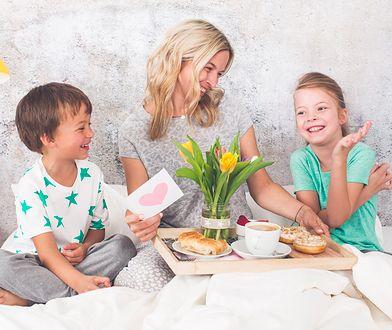 Dzień Matki 2019 – szukasz życzeń na Dzień Matki?  Wierszyki na Dzień Mamy