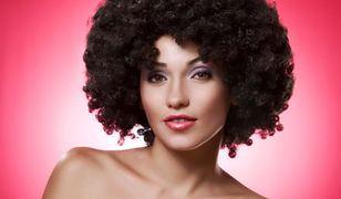 Jak zrobić fryzurę w stylu afro?