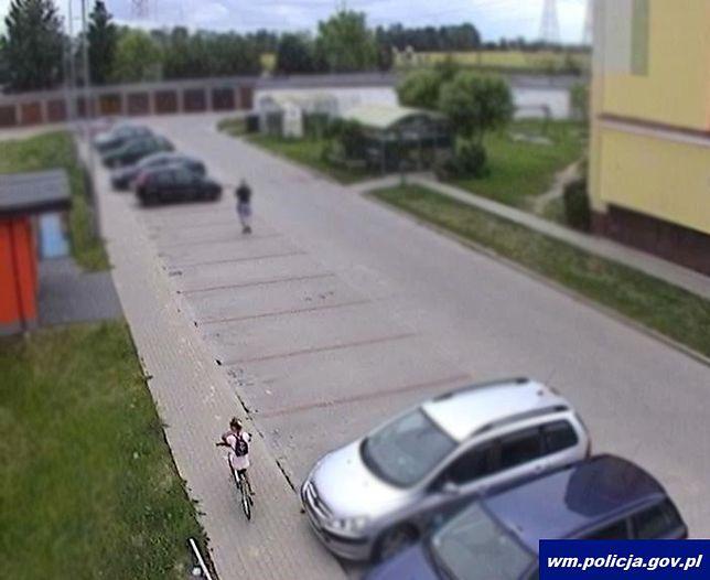 Bartoszyce. Policja poszukuje dziewczynki ze zdjęcia