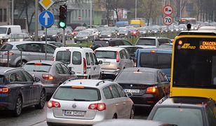 Warszawa. Duże utrudnienia na Trasie Siekierkowskiej po zderzeniu kilku samochodów (zdj. ilustracyjne)