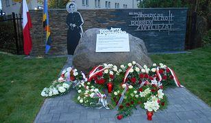 Odsłonięcie pomnika księdza Popiełuszki w Piastowie