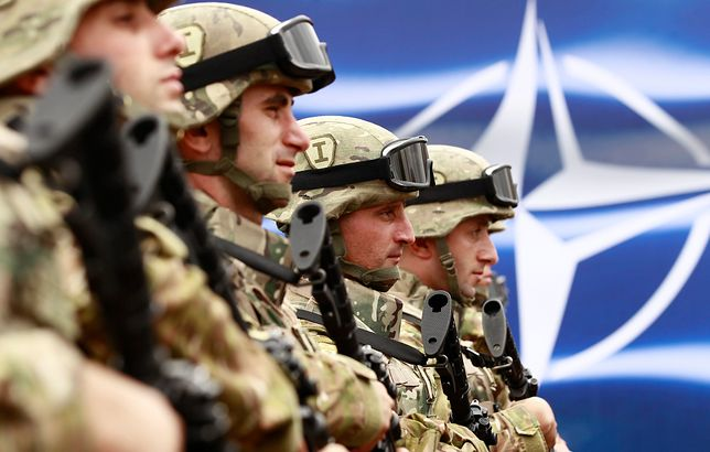 Ostrzeżenie przed Rosją. Parasol NATO może nagle zniknąć