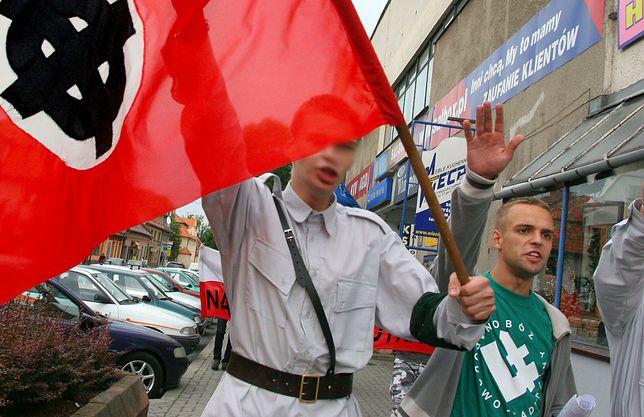 Były działacz ONR szefem oddziału IPN. Na zdjęciu: demonstracja Obozu Narodowo-Radykalnego w lipcu 2005 r. ku pamięci Adama Doboszyńskiego, inicjatora zamieszek antysemickich w Myślenicach przed II wojną światową