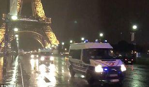 Alarm terrorystyczny w Paryżu. Turyści uwięzieni w wieży Eiffla