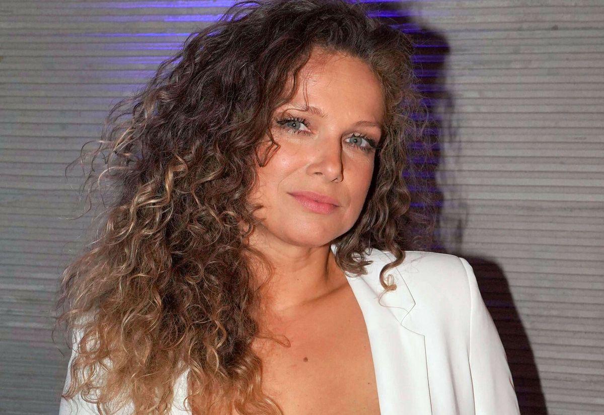 Joanna Liszowska pozuje na plaży