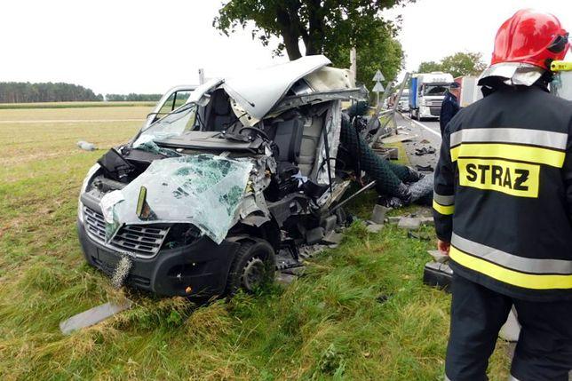 Groźny wypadek. Kierowca miał sporo szczęścia