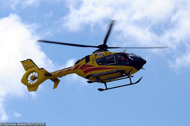Poszkodowaną dziewczynkę zabrał helikopter LPR