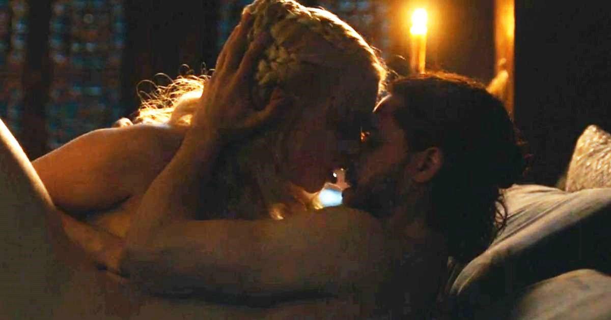 """""""Gra o tron"""". Emilia Clarke opowiada o kręceniu sceny seksu"""