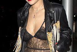 """""""X Factor"""": Rita Ora w stroju nie pozostawiającym wiele miejsca wyobraźni"""
