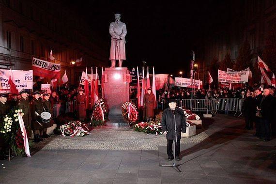 Brak pieniędzy na pomniki smoleńskie. Zależy na nich już tylko Jarosławowi Kaczyńskiemu?