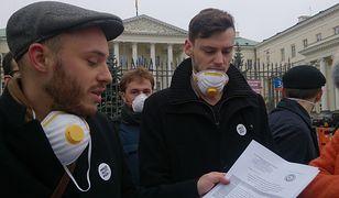 Smog zabija warszawiaków. Niemal 2 tys. osób zagrożonych