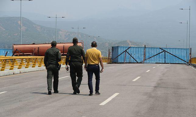 Blokada autostrady między Kolumbią i Wenezuelą