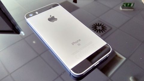 Apple zrezygnuje z iPhone'a SE 2? Słusznie, na co on komu?