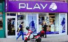 Play traci na nowych przepisach o roamingu. Zyski w dół o połowę