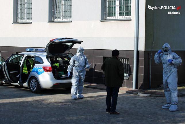 Śląskie. Kierowca passata, który jechał w Kłobucku, by zrobić test na COVID-19, miał w organizmie prawie 2 promile alkoholu.
