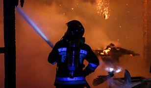 """Rabka-Zdrój: pożar zabytkowej willi """"Pod Aniołem"""". 3 osoby ranne, 12 osób bez dachu nad głową"""
