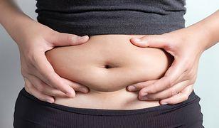 Duży brzuch to efekt złej diety, braku aktywności fizycznej albo stanu chorobowego.