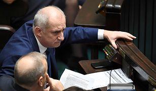 """Wybory parlamentarne 2019. Taśmy Sławomira Neumanna. Nowe nagrania w """"Wiadomościach"""" TVP"""