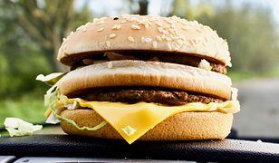 Big Mac to jedna z najpopularniejszych kanapek w sieciach fast food.