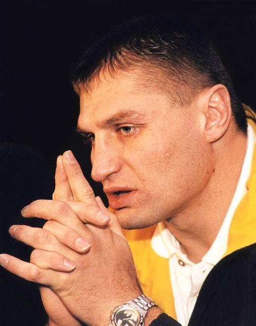 """""""Braknie mi Ciebie w narożniku"""" - Gołota żegna wierszem Szymborską!"""