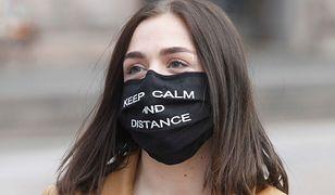 Każdy Polak ma obowiązek zasłaniania ust i nosa w miejscach publicznych