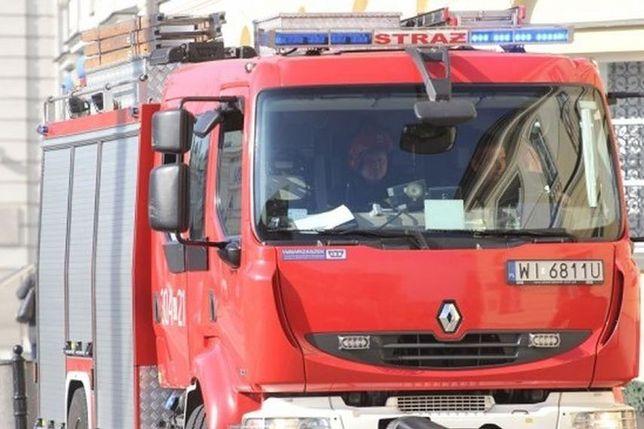 Ochota: tragiczny finał pożaru w bloku. Nie żyje jedna osoba