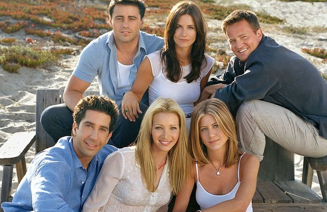 PHOTO: EAST NEWS/BERTRAND Los Angeles-CA-USA. November 2001. TV SHow Friends. Pictured : (clockwise from top left): Matt LeBlanc as Joey Tribbiani, Courtney Cox Arquette as Monica Geller, Matthew Perry as Chandler Bing, Jennifer Aniston as Rachel Green, Lisa Kudrow as Phoebe Buffay, David Schwimmer as Ross Geller.