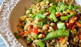 Kasza z warzywami. Sposób na szybki i wartościowy posiłek