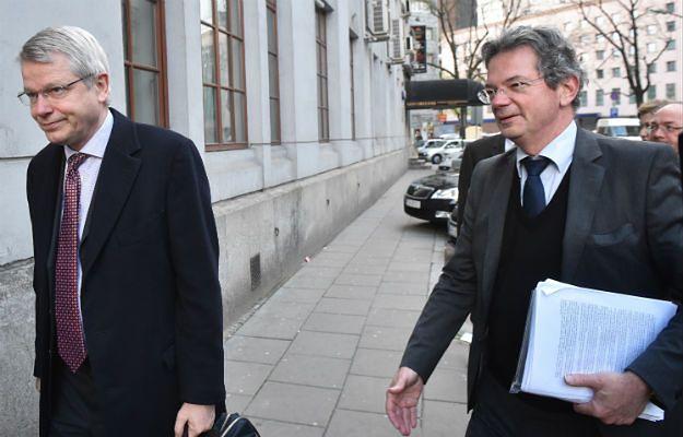 Sekretarz Komisji Weneckiej Thomas Markert (po lewej) oraz sprawozdawca Komisji Ben Vermeulen (po prawej)