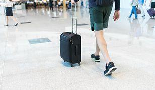 Niektóre linie lotnicze mają zaostrzone restrykcje dotyczące ubioru pasażerów
