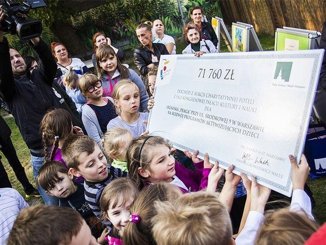 Gronkiewicz-Waltz pieniądze z licytacji przekazała dzieciom z Pragi