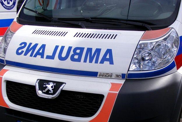 Wypadek karetki na sygnale w Gdańsku. Jedna osoba ranna