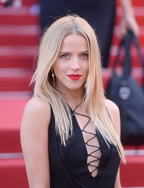 Jessica Mercedes na czerwonym dywanie w Cannes