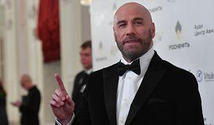 John Travolta wystąpił w teledysku Pitbulla. Jego taniec robi wrażenie