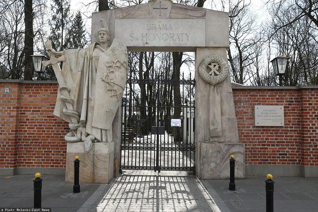 Warszawa. Większość cmentarzy w stolicy została zamknięta