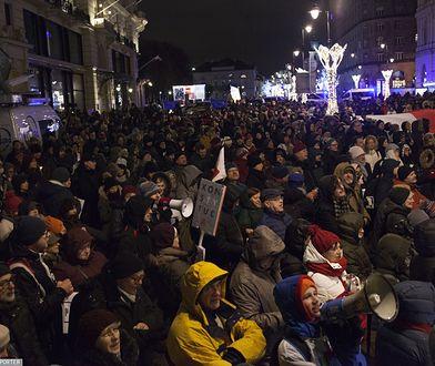 Warszawa. Protesty przeciwko reformie sądownictwa, 14 grudnia 2017 r.
